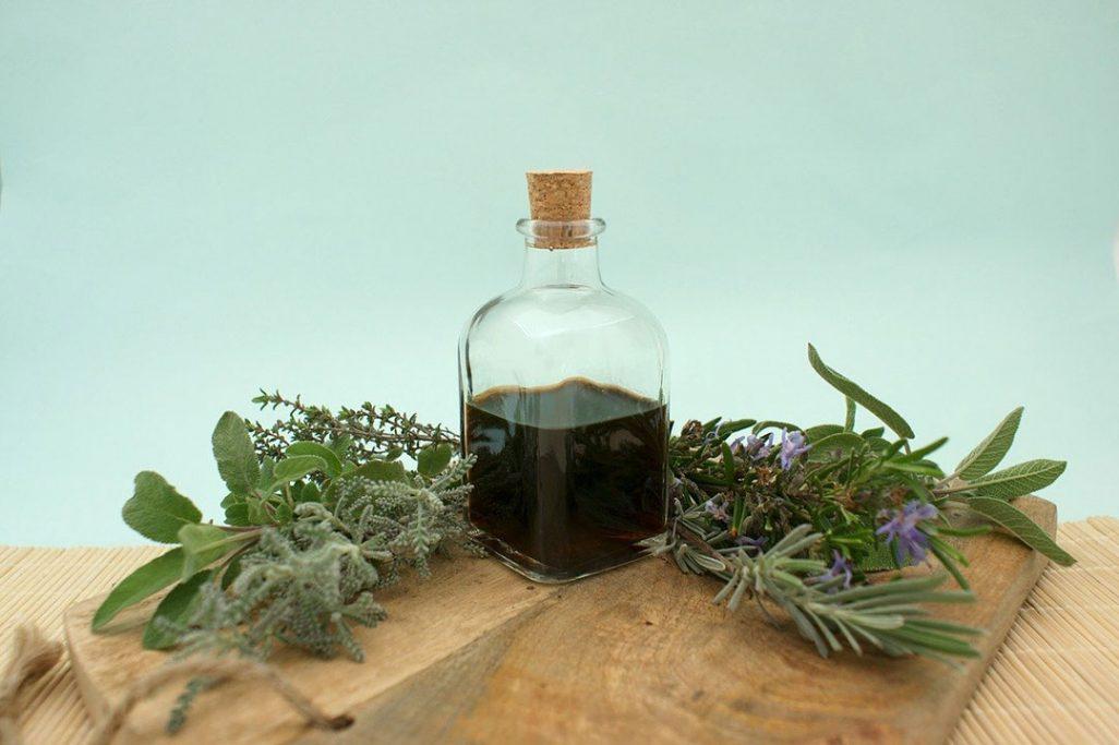 Vinegar of the 4 thieves