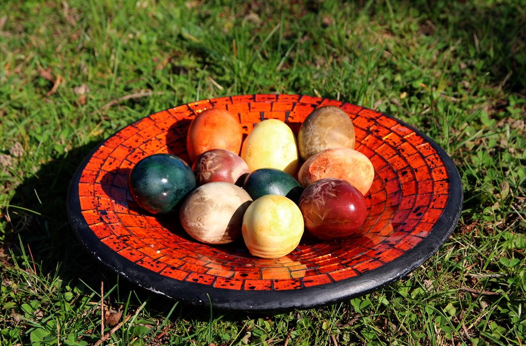 Dyeing Easter Eggs – Naturally